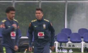 Roberto Firmino se apresenta à Seleção Brasileira