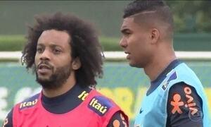 Marcelo e Casemiro chegam a Londres para treinos da Seleção