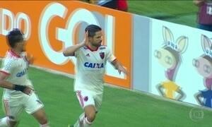 Flamengo e Corinthians vencem na rodada do Brasileirão