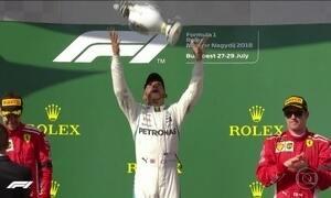 Fórmula 1 entra de férias na temporada em momento favorável a Lewis Hamilton