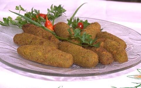 Aprenda a preparar bolinho que faz sucesso em festa de congado ()