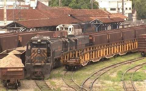 Reveja a ferrovia de Divinópolis, no Centro-Oeste