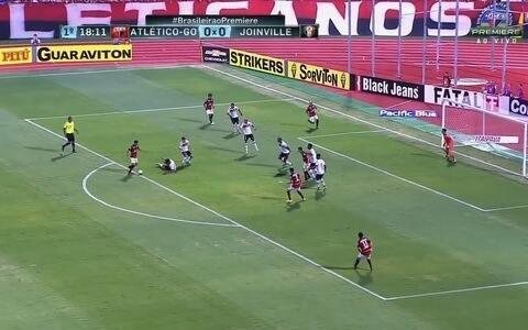 Atlético-GO erra no final e  cede empate ao Joinville