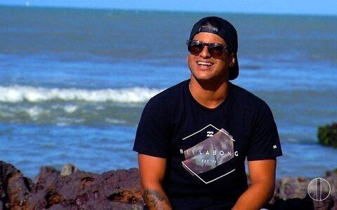 Após ano difícil, Ítalo Ferreira descansa em Baía Formosa