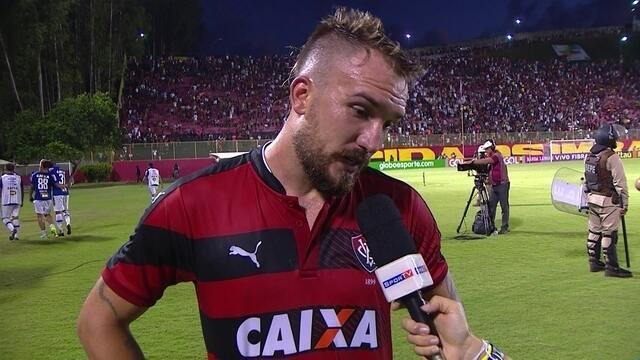 """Willian Farias comenta derrota: """"Por falta de luta não está sendo"""""""