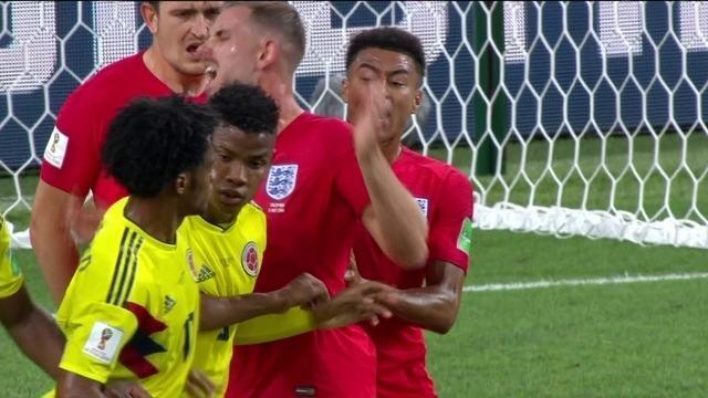 Jogadores da Inglaterra simulam faltas e valorizam agressões contra a Colômbia
