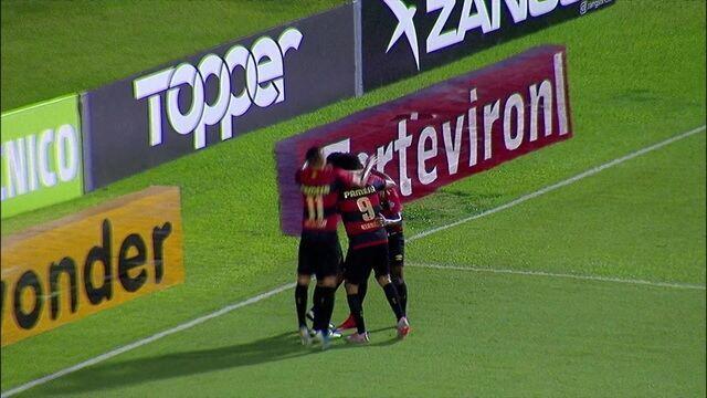 Gol do Sport! Pedro Carmona aproveita a sobra e amplia, aos 10' do 2º Tempo