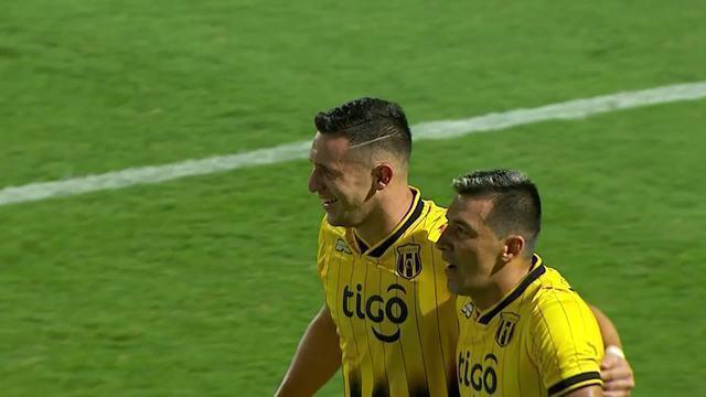 O gol de Guaraní-PAR 1 x 0 Corinthians pela Taça Libertadores
