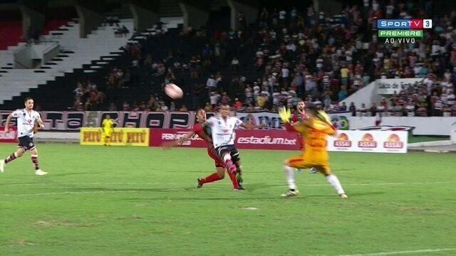 Para Paulo César de Oliveira, árbitro errou ao não marcar dois pênaltis