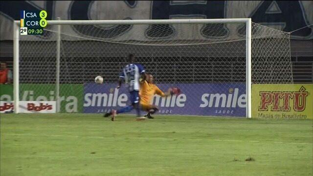 Gol de Allano! Aos 9', Jean Cléber deixa Allano na cara do gol e o atacante faz o terceiro