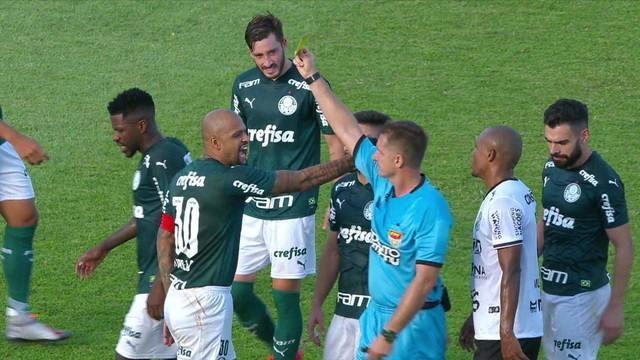 "Felipe Melo comete falta, recebe amarelo e Vanderlei Luxemburgo reclama: ""Preconceito com ele"""