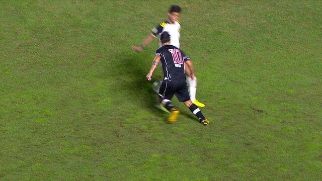 Sopa de garfo! Benitez distribui canetas para cima dos marcadores do Sport