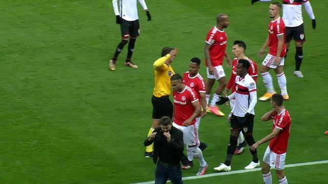 Melhores Momentos: Internacional 3 x 0 Atlético-GO pela 4ª rodada do Campeonato Brasileiro