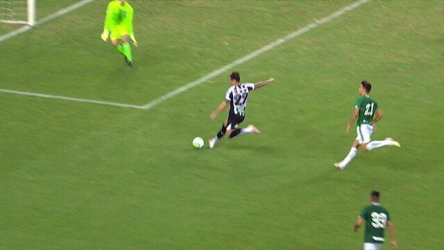 Gol do Ceará! Após passe de Bruno Pacheco, Vina fica na cara do gol e marca, aos 27 do 1º tempo
