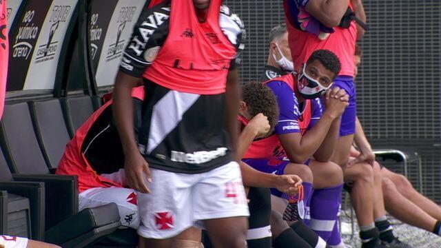 Jogadores do Vasco choram no banco de reservas após empate que complica muito a situação na tabela