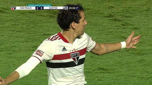 Gol do São Paulo! Pablo recebe lançamento do campo de defesa, vê John adiantado e encobre o goleiro, aos 27 do 2º