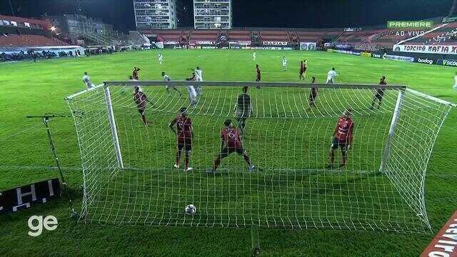 Aos 35 min do 2º tempo - gol de dentro da área de Daniel Amorim do Vasco contra o Brasil de Pelotas