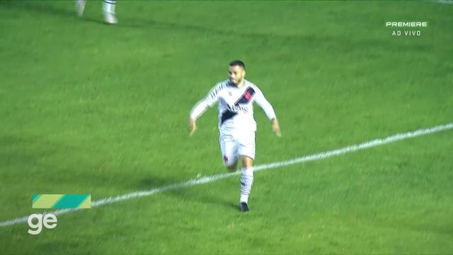 Aos 37 min do 2º tempo - gol de cabeça de Morato do Vasco contra o Brasil de Pelotas