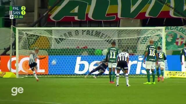 Aos 23 min do 2º tempo - gol de pênalti de Carlos Sánchez do Santos contra o Palmeiras