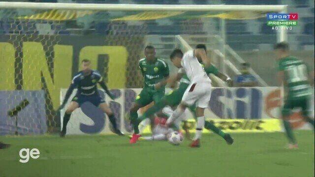 Aos 4 min do 2º tempo - gol de dentro da área de Nonato do Fluminense contra o Cuiabá