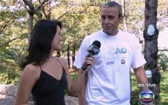 Alexandre Borges participa mais um ano do Ação Global - Ator conversou ao vivo com Geovanna Tominaga sobre o projeto.