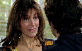 Melissa evita possível tragédia - Ela encontra Tarso na clínica e consegue levá-lo para casa