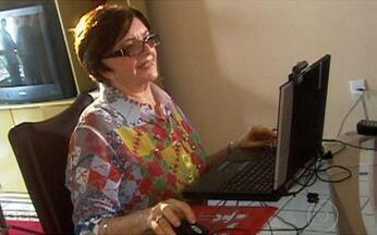 Série Tecnologia: saiba porque o brasileiro fica tanto tempo na internet - Nesta série especial sobre tecnologia, você saberá por que o brasileiro é o mais ligado na web no mundo todo. Confira também todas as novidades do mundo virtual e as novas vantagens da internet.