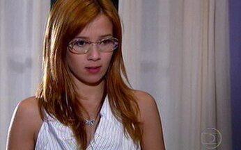 Tônia tenta alertar o irmão - Ela avisa Murilo para tomar cuidado com Tarso, mas ele não lhe dá atenção