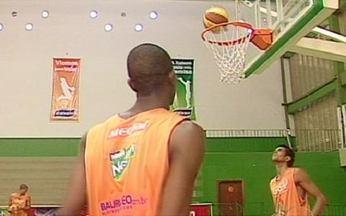 Segunda edição do Novo Basquete Brasil começa neste domingo - Estarão em quadra 14 times e 188 jogadores vindos de todas as regiões do país. Só o estado de São Paulo cedeu 42% dos atletas.