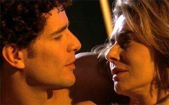 Stela e Agnello se encontram em um motel - Stela promete ao rapaz que eles voltarão a se ver