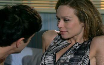 Passione - capítulo de quarta feira, 18/08/2010, na íntegra - Melina vê Diana chegar com Gerson e anuncia sua gravidez para a família