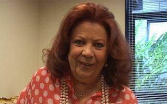 Beth Carvalho, a madrinha do samba - Beth carvalho homenageia bloco Cacique de Ramos no palco do Esquenta