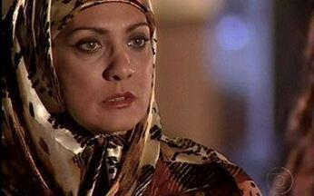 Nazira atrapalha fuga de Jade - Irmã de Said e Mohamed chega ao Rio, e flagra Jade na rua, indo ao encontro de Lucas.
