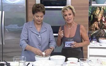 Dilma prepara omelete na cozinha do Mais Você - A presidenta aproveitou a visita para mostrar suas habilidades na culinária.