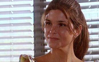 Alicinha pergunta sobre a esposa de Escobar - Após dar de presente a Escobar biscoitos que preparou, ela pergunta a tia Edna sobre a personalidade da esposa do cientista