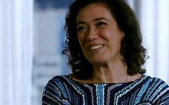 Divã – Episódio do dia 26/04/201, na íntegra - Bruno começa a namorar com uma mulher mais velha e Mercedes banca a mãe superprotetora.