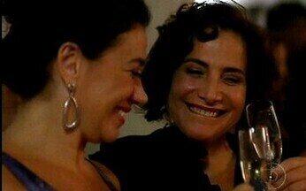 Divã – Episódio do dia 17/05/2011, na íntegra - Amizade de Mercedes e Tânia passa por prova de fogo depois que as duas descobrem que estão se relacionando com o mesmo homem.
