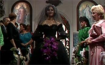 Cenas Inesquecíveis relembra casamento em Selva de Pedra - Fernanda, personagem de Christiane Torloni, se casa com vestido preto