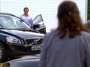 Fina Estampa - Capítulo de Sábado, 10/12/2011, na íntegra - Tereza Cristina vê foto do beijo de René e Griselda