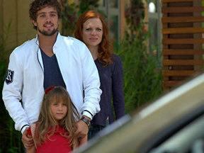 A Vida da Gente - Capítulo de sexta-feira, 06/01/2012, na íntegra - Rodrigo vê Ana e Lúcio se beijando