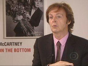Paul McCartney revela que músicas inspiraram os Beatles - Em seu novo trabalho, o eterno Beatle faz releituras das canções das décadas de 1930 e 1940. Nesta época, o jovem Paul e o amigo John Lennon formavam uma banda. O novo disco tem ainda duas composições inéditas.