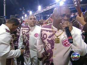 Quinho convoca a escola para o desfile com o grito: 'arrepia Salgueiro' - O intérprete já tem 54 anos e está no Salgueiro desde 1991. Desde então, só esteve fora da escola por quatro carnavais.