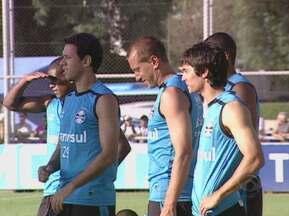 Luxemburgo faz mistério sobre escalação do Grêmio na disputa contra o Novo Hamburgo - O volante Souza, que está recuperado, pode representar mudanças no time para a partida pelo Campeonato Gaúcho.