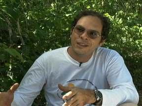 Especialista alerta para a extinção de árvore típica da caatinga - O umbuzeiro está sob ameaça. Para o botânico José Alves, uma das soluções para o problema pode ser o manejo de animais da região.
