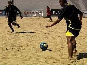 Clubes fortalecem infraestrutura do futebol de areia e beneficiam a seleção brasileira - Guga Zloccowick é o responsável por analisar o desempenho dos jogadores e selecionar os atletas que vão fazer parte da equipe do Brasil.