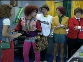 Valéria reclama com Dil Maquinista sobre Carretel - Chefe de cabine reconstitui a cena em que Carretel destratou Valéria