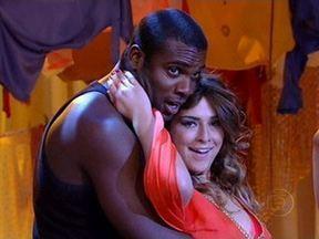 Fernanda Paes Leme e Rodrigo Simas dançam na final de 'As melhores provas do Lata Velha' - Fernanda Paes Leme e Rafael Zulu reproduzem coreografia de Shakira, enquanto Rodrigo Simas e Bruno Gissoni dançaram ´Macho Man´
