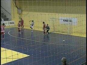 Ponta Grossa goleia o Maringá por 5 a 2 no Paranaense de Futsal - Jogo entre os dois times foi antecipado no Paranaense de Futsal