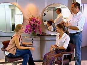 Angélica conhece o cabeleireiro de Sophie Charlotte - O pai de Sophie é o responsável pelo visual da atriz