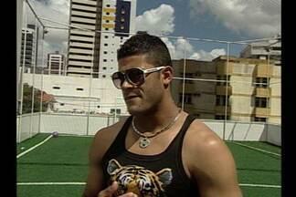 Hulk tem esperanças de representar o Brasil nas Olimpíadas de Londres - O atacante do Porto, que está curtindo férias na Paraíba antes de se apresentar à Seleção, acredita que poderá estar na lista de convocados de Mano Menezes.